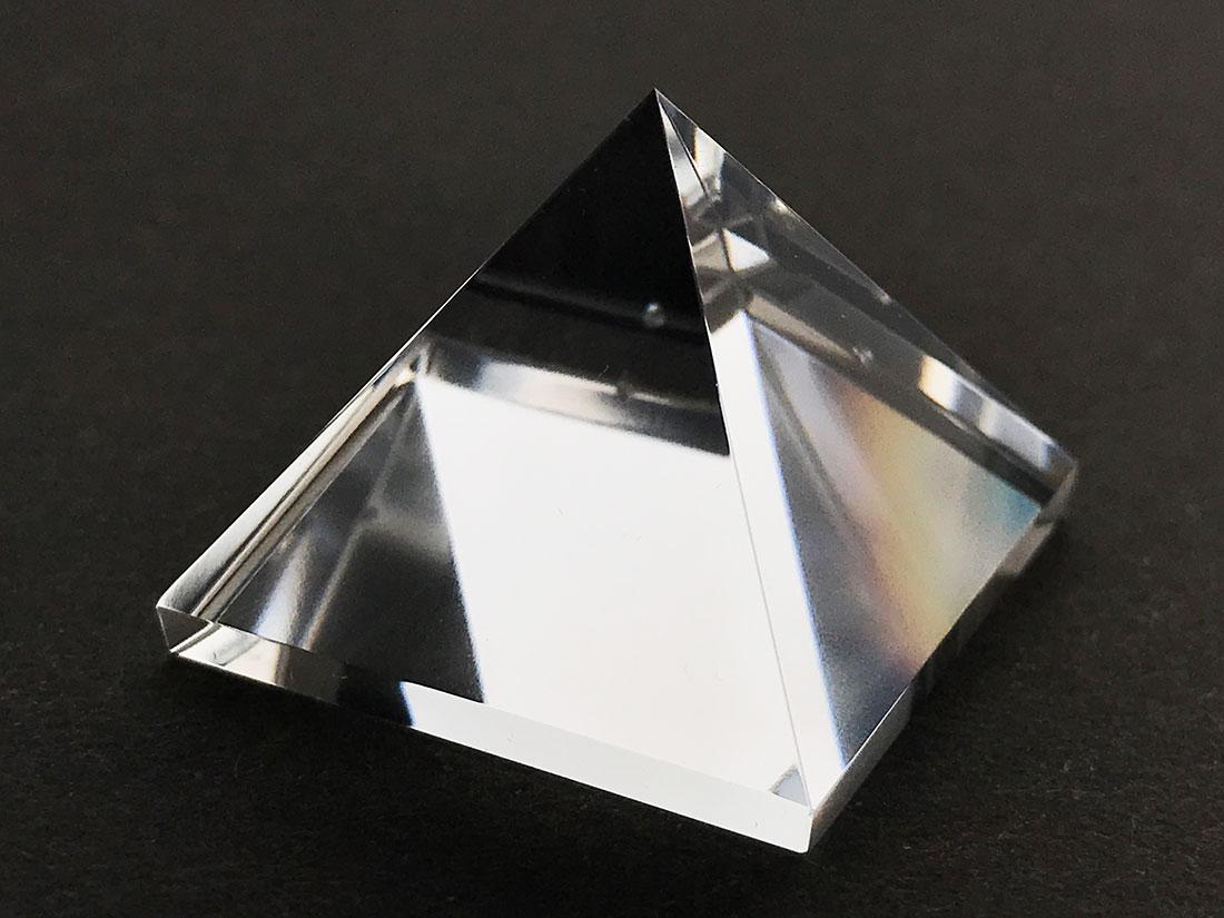 水晶 ピラミッド