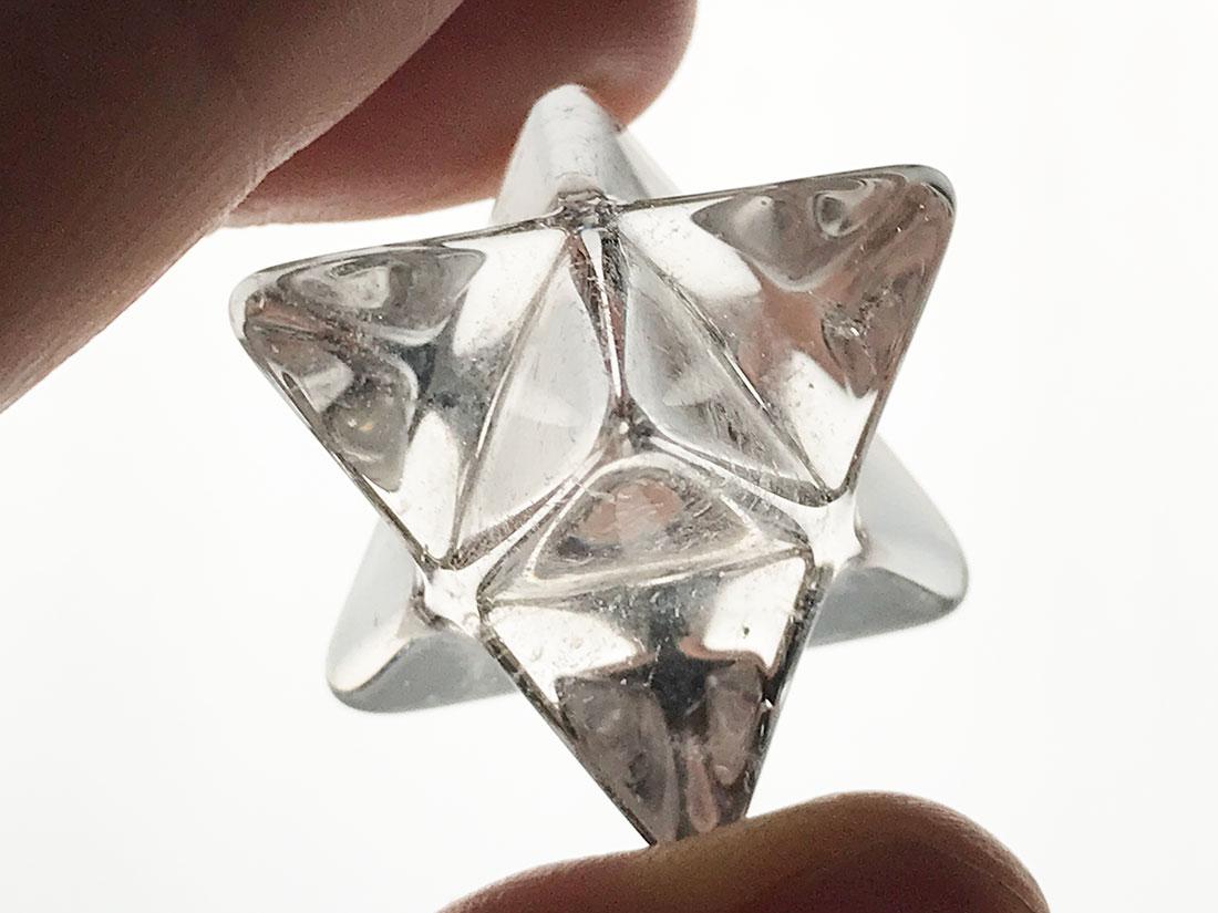 水晶マカバスター