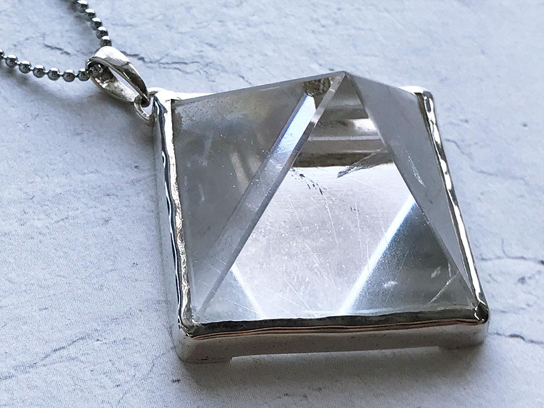 ヒマラヤ水晶 ピラミッドペンダントトップ